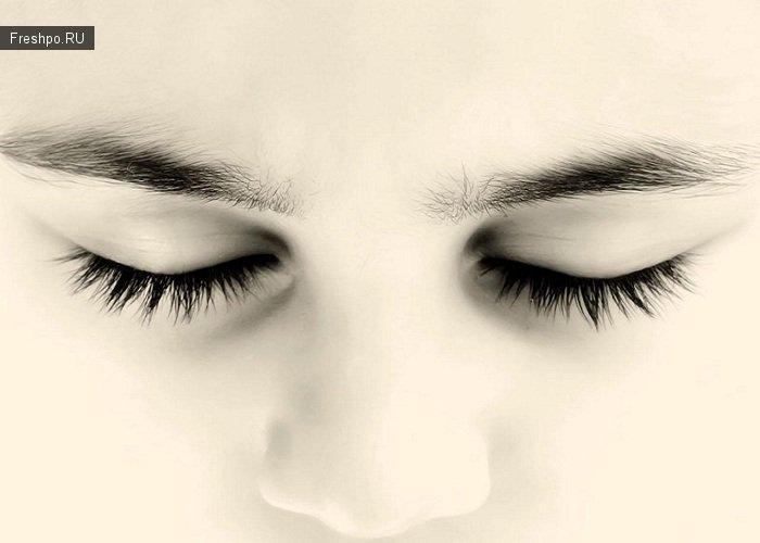 Человек тратит жизнь моргая глазом
