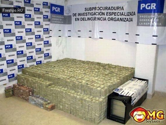 Конфискат изъятый у наркобаронов Мексики при захвате. Горы денег