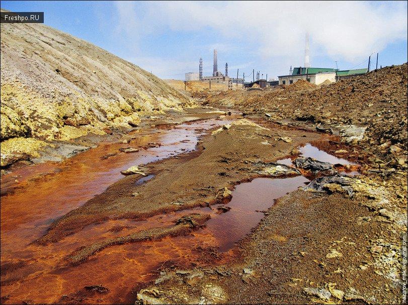 Это город Карабаш - один из грязнейших и экологичский проблематичных районов России