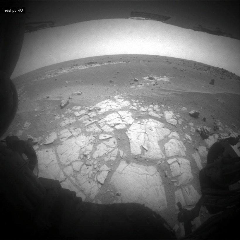 Есть ли жизнь на Марсе или базы инопланетян, которые обнаружил марсоход или всеже обломки обживки марсохода?