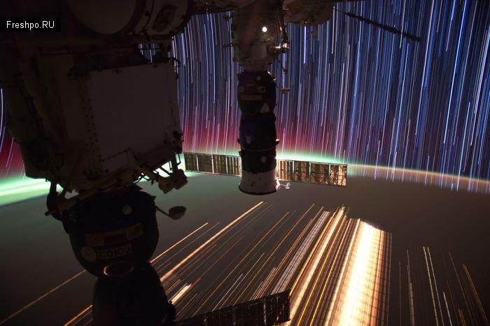 Фотографии космоса со спутников NASA с увеличенной выдержкой.