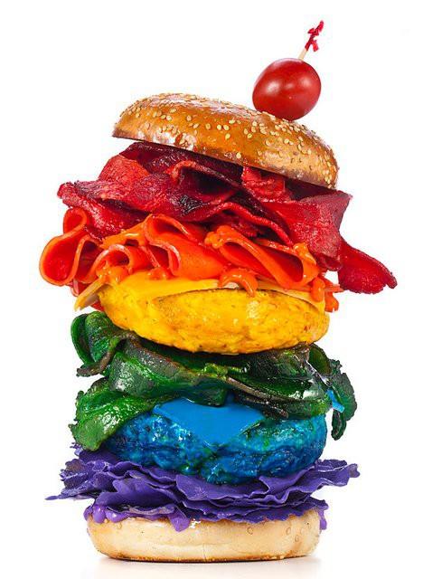 Еда цвета радуги - бургер