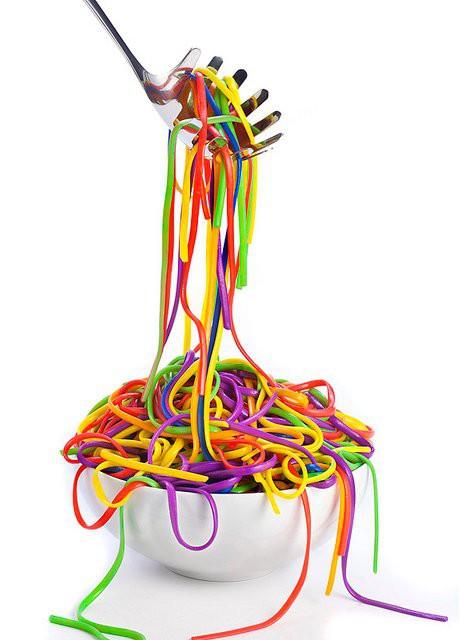 Еда цвета радуги - спагетти