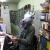 Прикольные фотографии людей в маске коня повсюду и везде